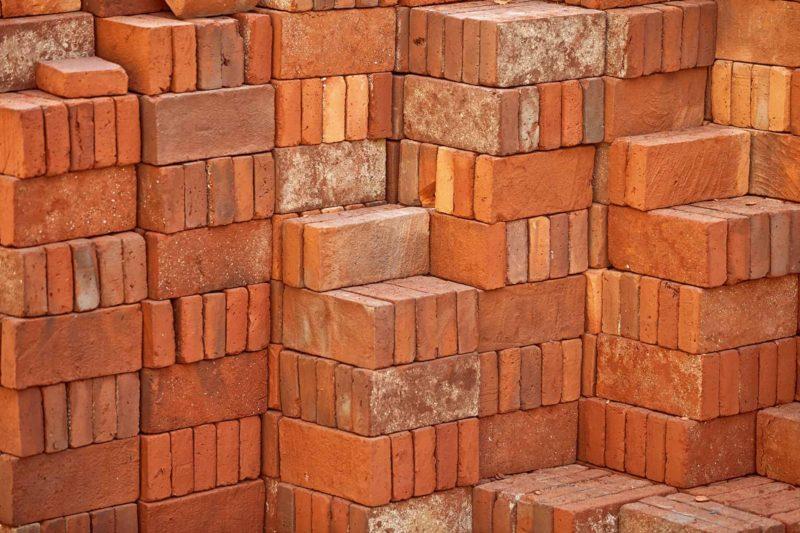 Cegła pełna: parametry, charakterystyka i ceny cegieł