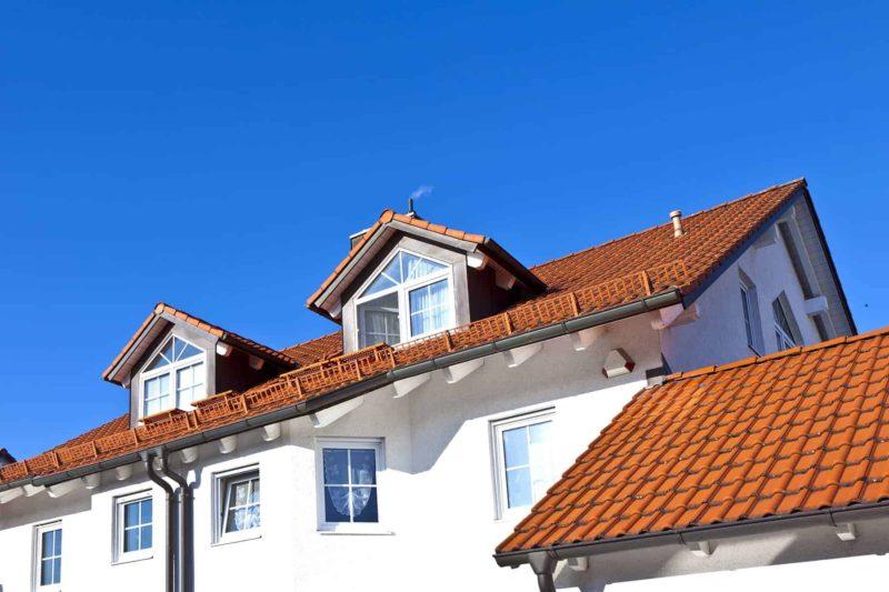 Dach dwuspadowy w domu jednorodzinnym: zalety i wady