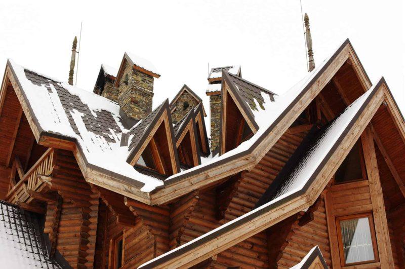 Lukarna dachowa: rodzaje, zalety i wady oraz budowa lukarny w dachu