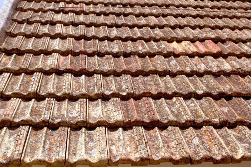 malowanie dachu 800x533 - Malowanie dachu: czym i jak malować dach [krok po kroku]