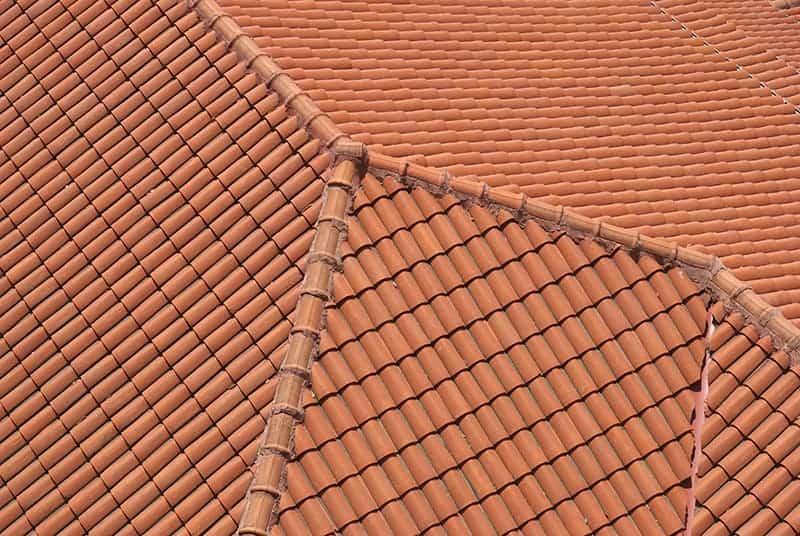Dach wielospadowy w domu jednorodzinnym