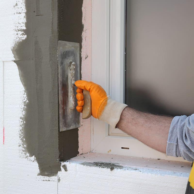 Który sposób osadzania okien jest lepszy?