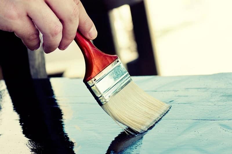 Co to jest lakierobejca do drewna?