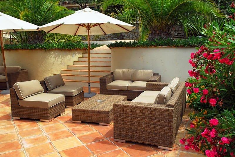 parasol ogrodowy - Parasol ogrodowy: jaki wybrać i ile kosztują parasole do ogrodu