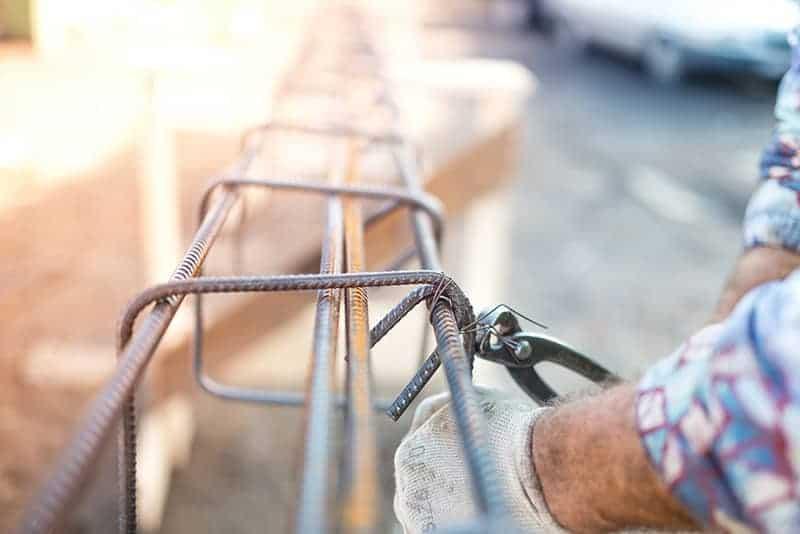 Ile stali zużywa się przy budowie?